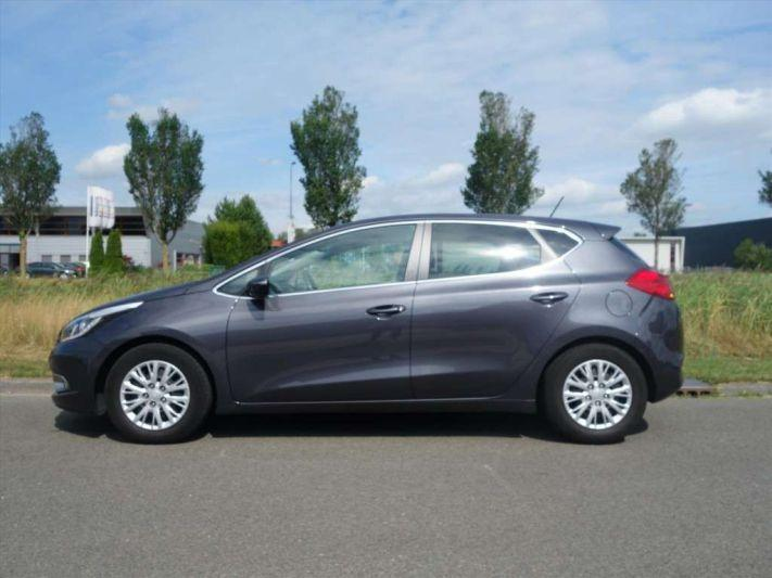 Kia Ceed 1.6 GDI BusinessLine (2015)