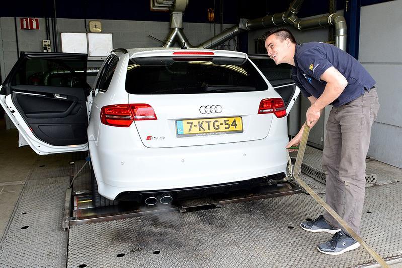 Op de rollenbank - Audi RS3