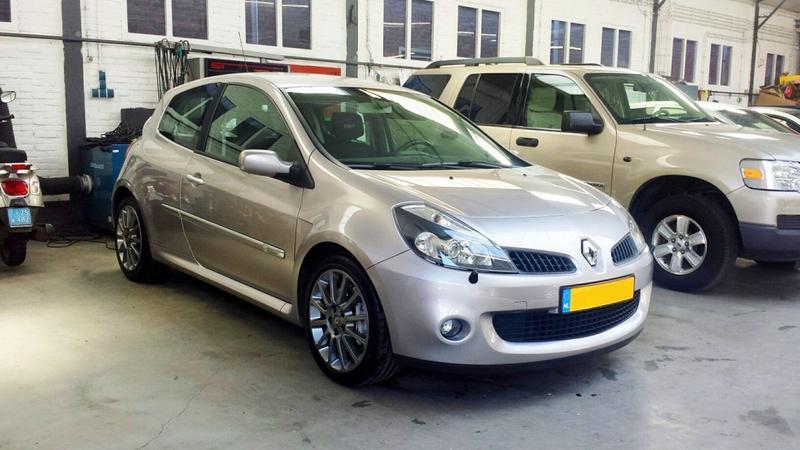 Renault Clio Sport 2.0 16V (2006)