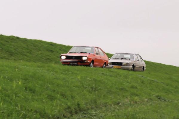 Video: Volkswagen Passat vs. Simca 1307 - Classics Dubbeltest