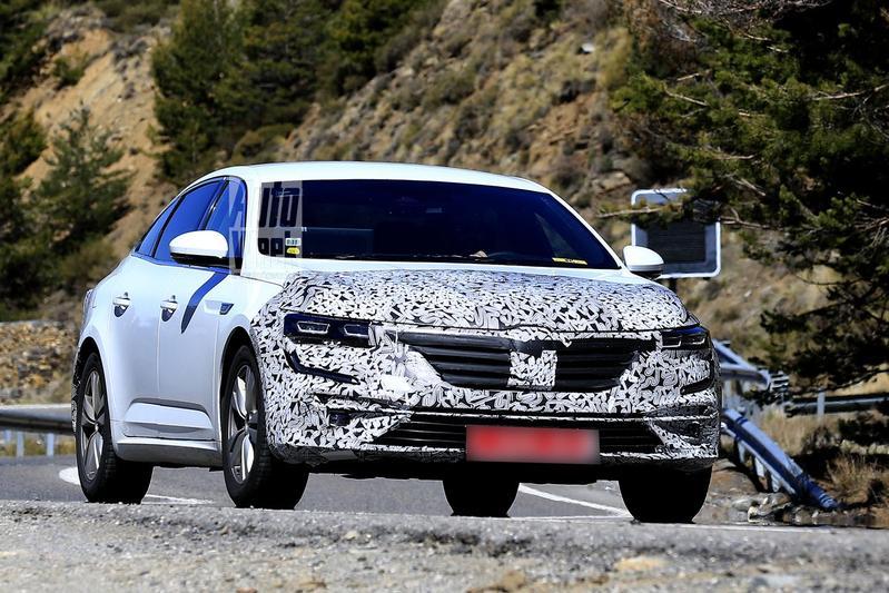 Renault Talisman facelift spyshots