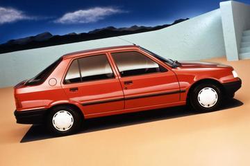 Facelift Friday: Peugeot 309