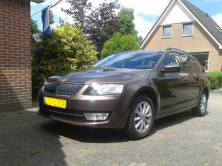 Skoda Octavia Combi 2.0 TDI Greentech Ambition Businessl (2014)
