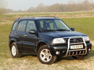 Suzuki Grand Vitara 2.0 (2005)