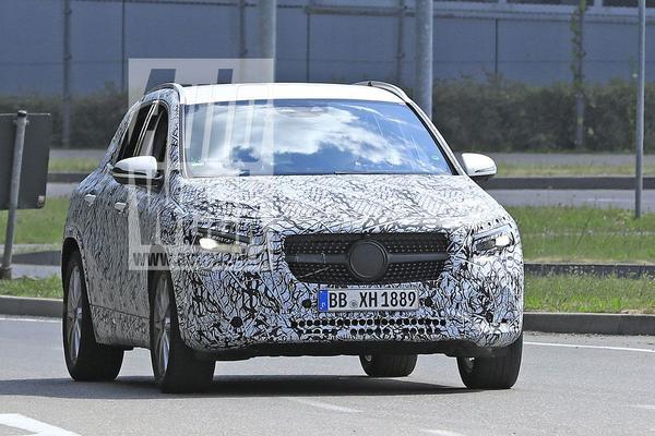 Mercedes-Benz GLA weer gesnapt