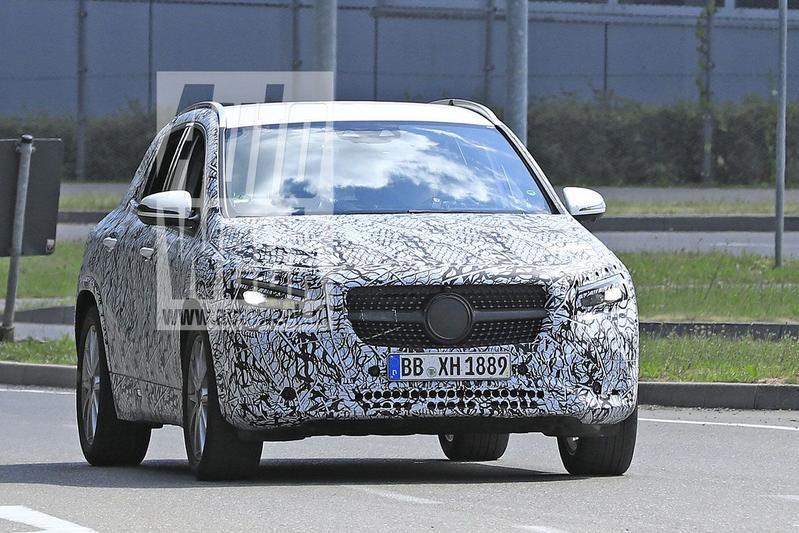 Spyshots Mercedes-Benz GLA