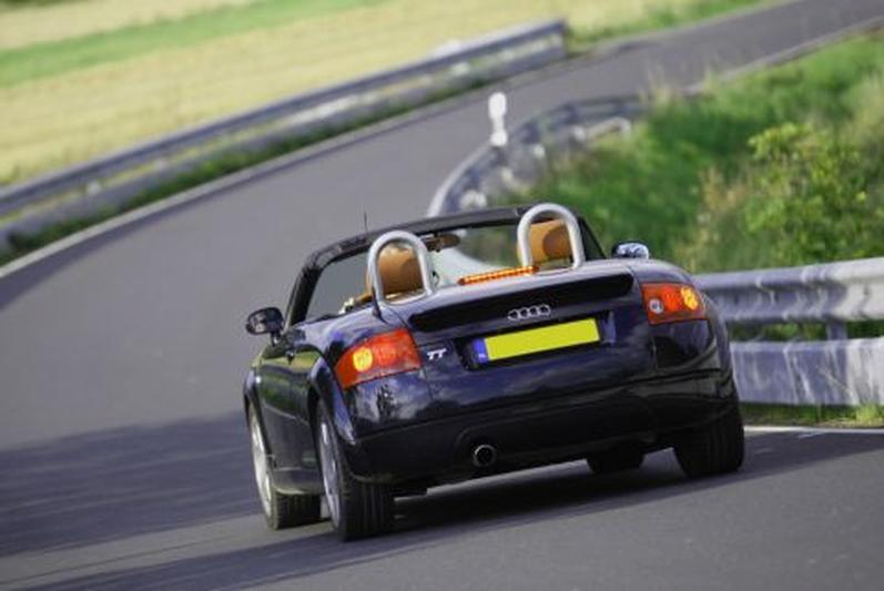 Audi TT Roadster 1.8 5V Turbo 180pk (2001) review ...