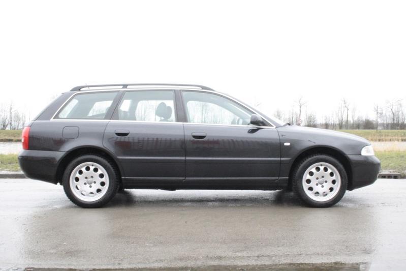 Audi A4 Avant 2.4 5V (1999)