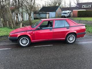 Alfa Romeo 75 2.0 Twin Spark (1992)