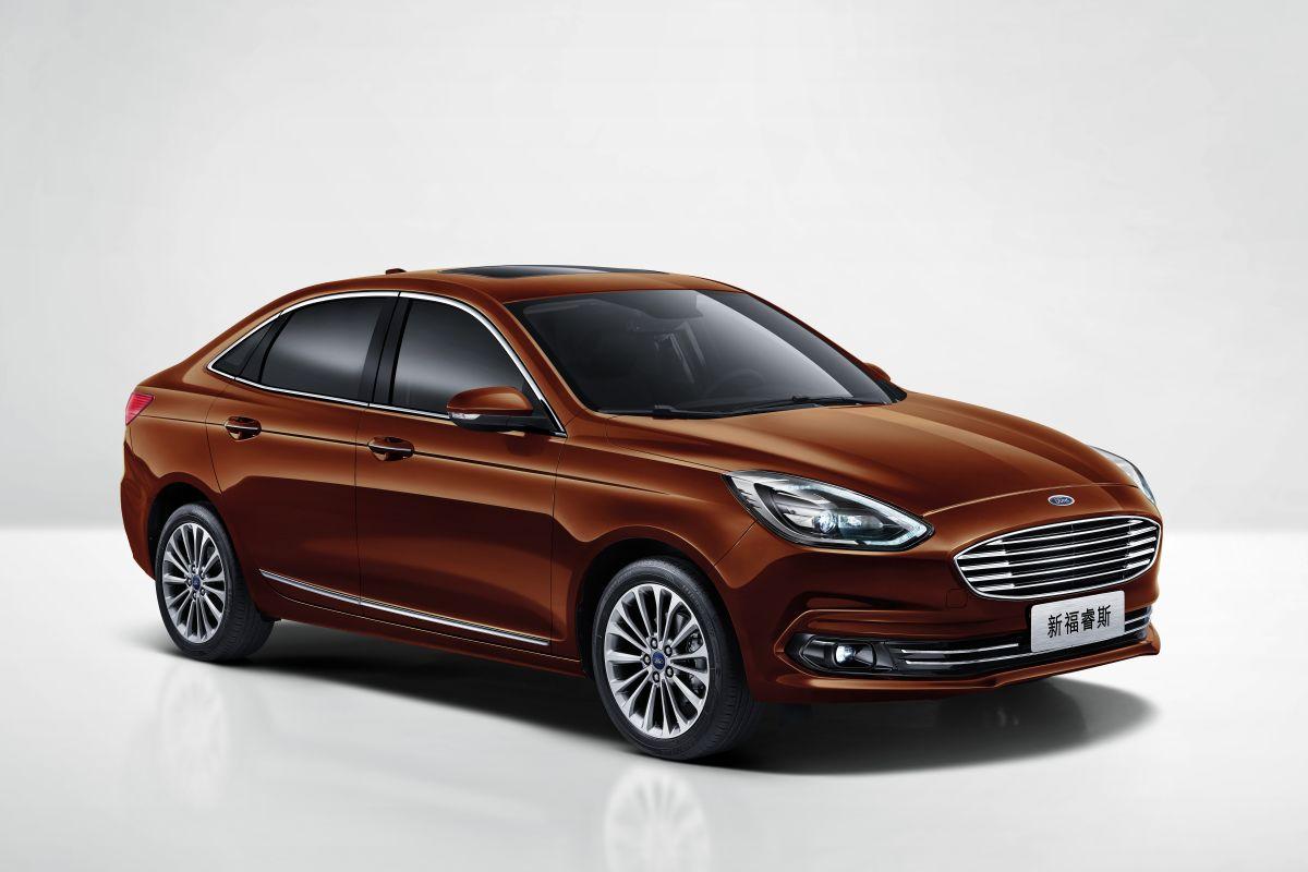 2014 - [Ford] Escort (Chine) - Page 3 6c6y37zb4oxu