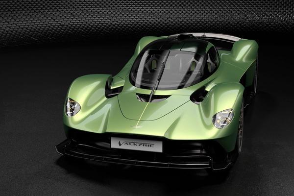 F1-teameigenaar Stroll neemt megabelang in Aston Martin