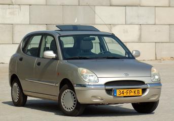 Daihatsu Sirion 1.0 12V XTi (2000)
