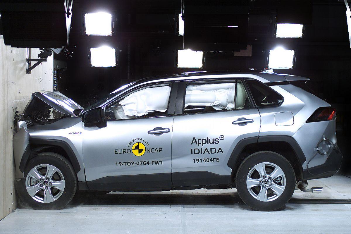 EuroNCAP Corolla Clio RAV4 E-tron Mazda 3 T-Cross UX