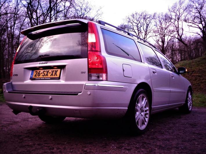 Volvo V70 D5 Summum (2006)