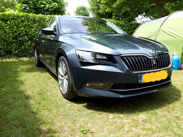 Skoda Superb 1.8 TSI Greentech Style Business (2016)