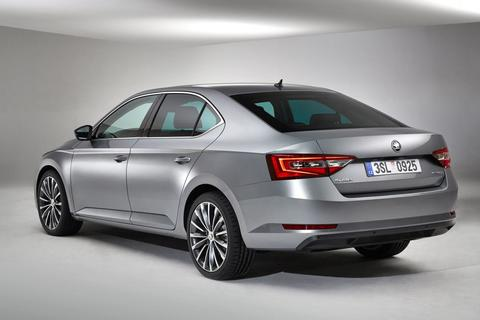 skoda superb 1 6 tdi greentech active. Black Bedroom Furniture Sets. Home Design Ideas