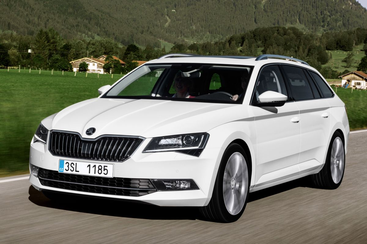 skoda superb combi eerste rijtest. Black Bedroom Furniture Sets. Home Design Ideas