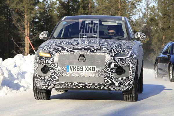 Jaguar test vernieuwde E-Pace