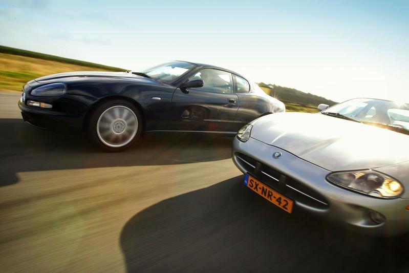 Dubbeltest - Jaguar XK8 vs. Maserati 3200GT