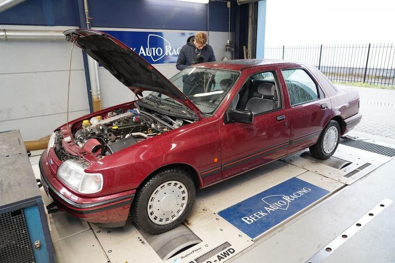 Ford Sierra 2.0 - Op de Rollenbank