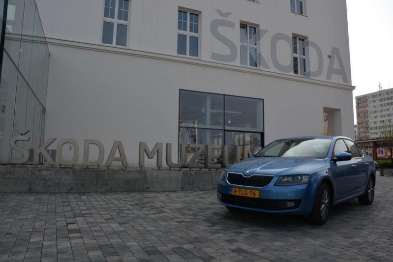 Skoda Octavia 1.6 TDI Elegance Businessline (2014)
