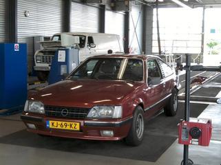Opel Monza (1983)