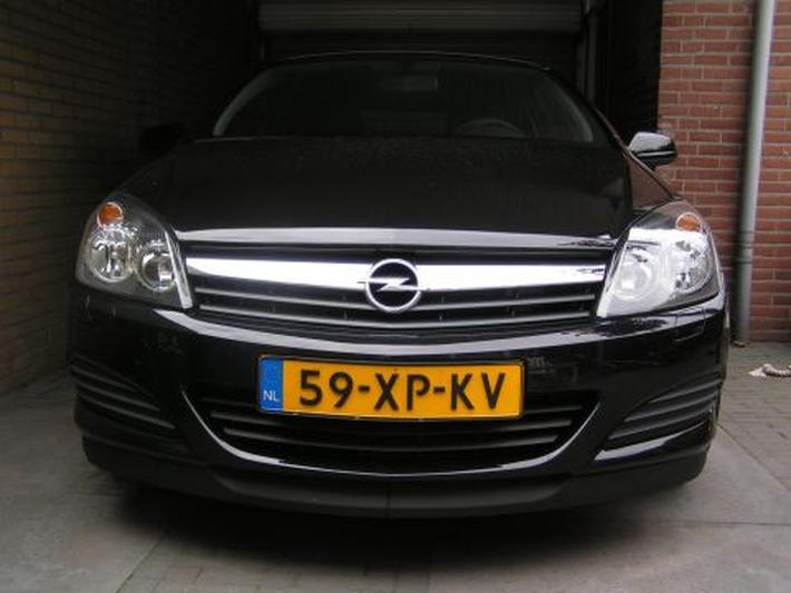 Opel Astra GTC 1.6 Edition (2007)