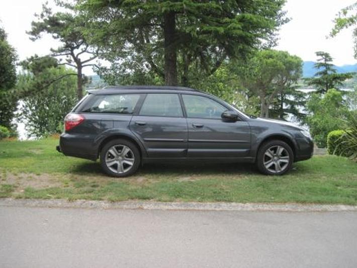 Subaru Outback 2.5i Comfort (2009)