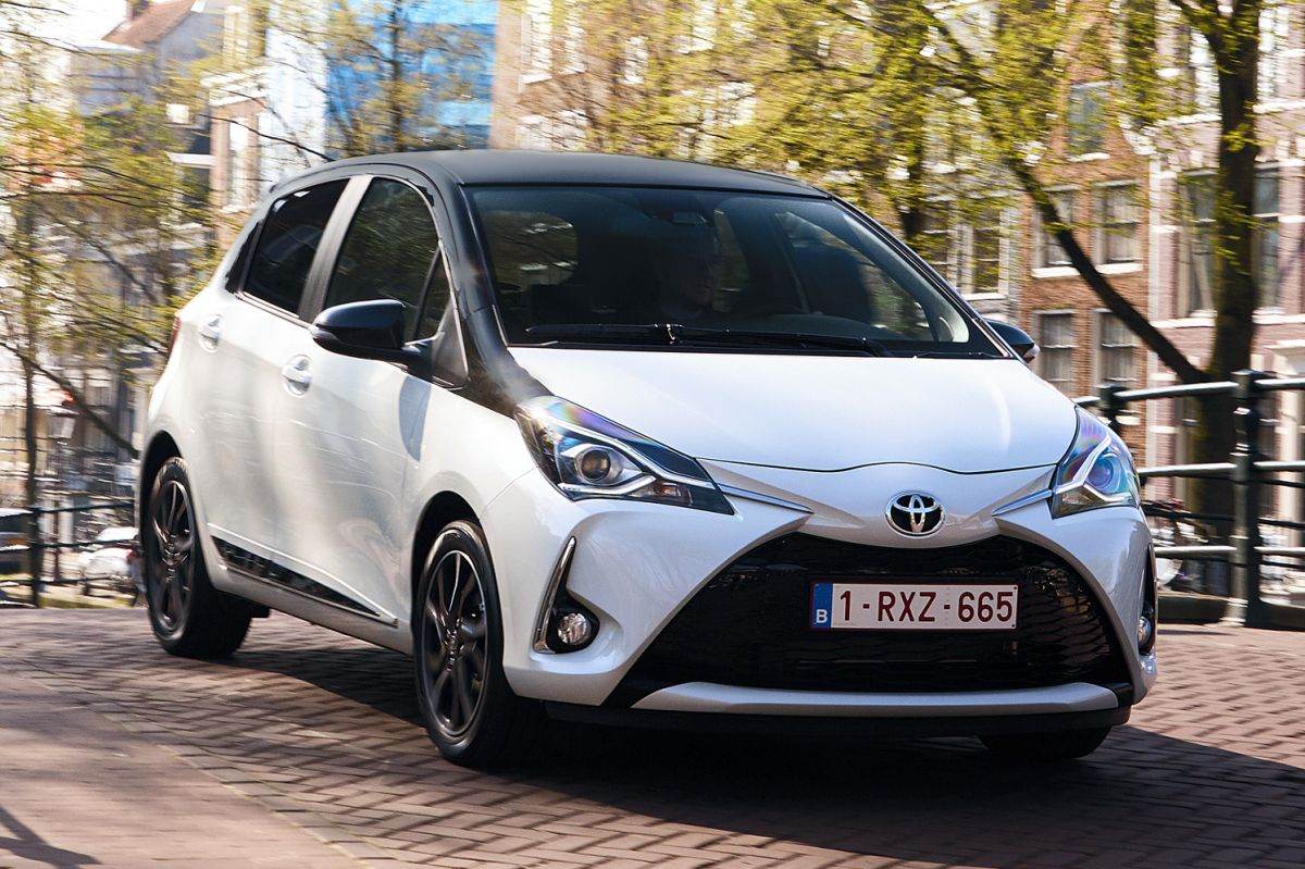 toyota yaris eerste rijtest. Black Bedroom Furniture Sets. Home Design Ideas