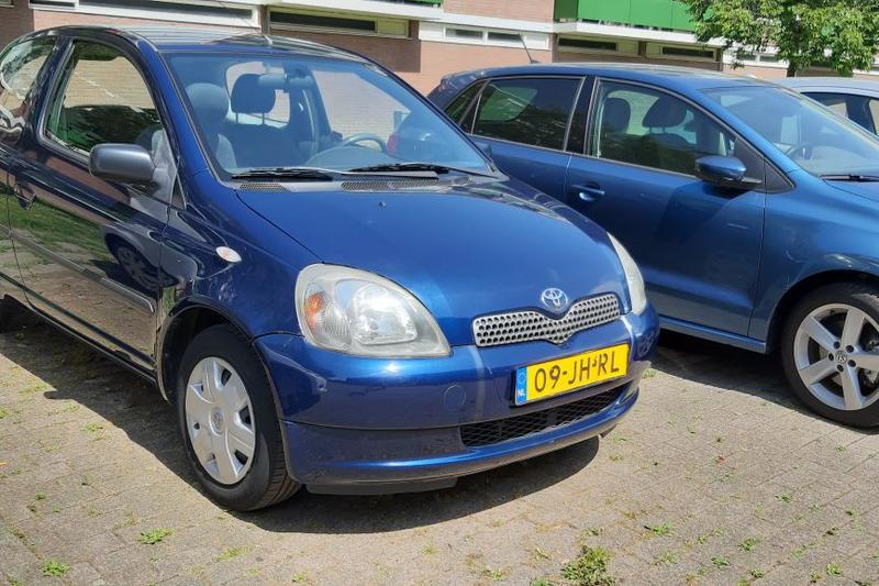 Toyota Yaris 1.3 16v VVT-i Yorin (2002)