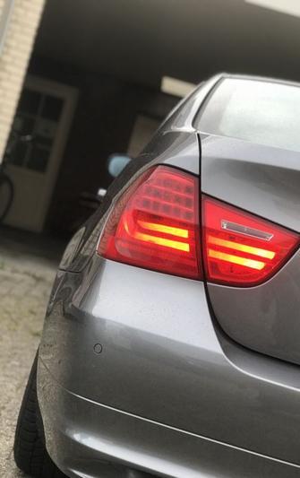 BMW 325i xDrive (2009)