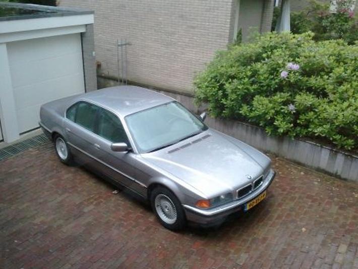 BMW 740i (1994)