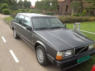 Volvo Volvo 740 GLE 2.3.  Blackline Sedan. (1989)