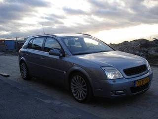 Opel Signum 3.2-V6 Cosmo (2003)