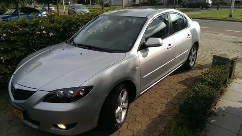 Mazda 3 Sedan 1.6 Executive (2005)