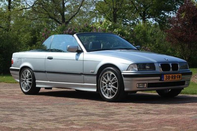BMW 320i Cabrio Executive (1997)