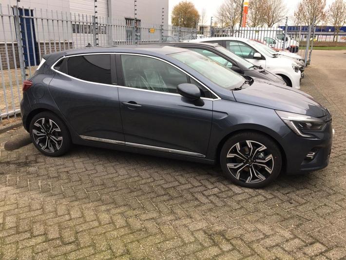 Renault Clio Hybrid 140 Intens (2020)