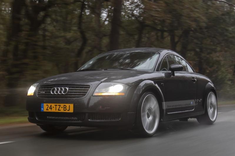 Audi TT 1.8T Quattro - 2000 – +/- 446.000 km - Klokje Rond