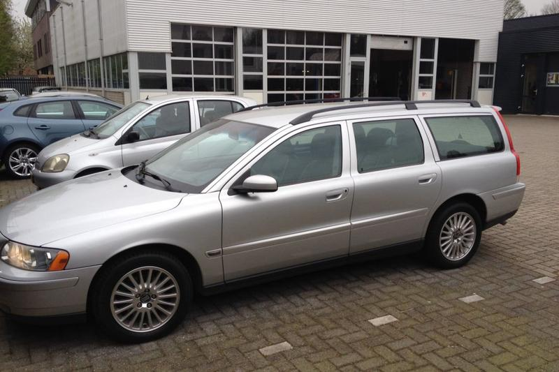 Volvo V70 2 4 140pk Edition II (2005) review - AutoWeek nl