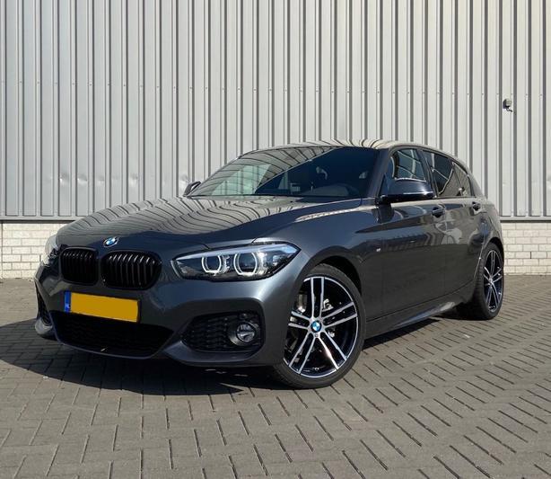 BMW 120i (2019)