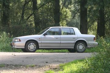 Chrysler Saratoga 3.0i SE (1991)