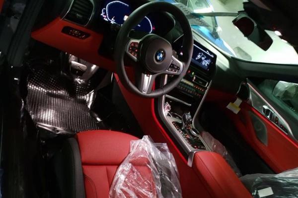 Dit is het interieur van de BMW 8-serie