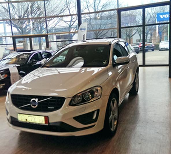 Volvo XC60 D5 AWD R-Design (2013) Review