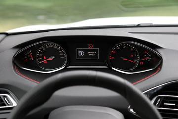 Peugeot 308 binnenkort alleen met analoog instrumentarium