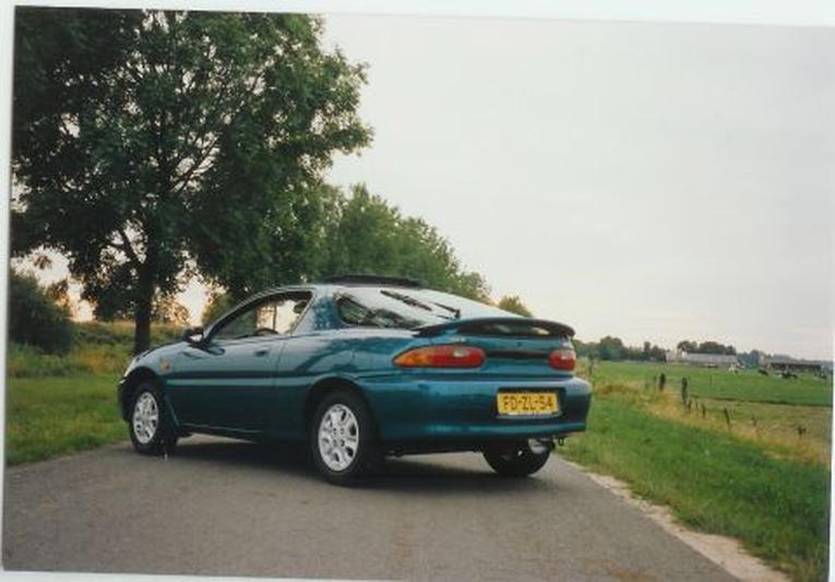 Mazda MX-3 1.6i (1991)
