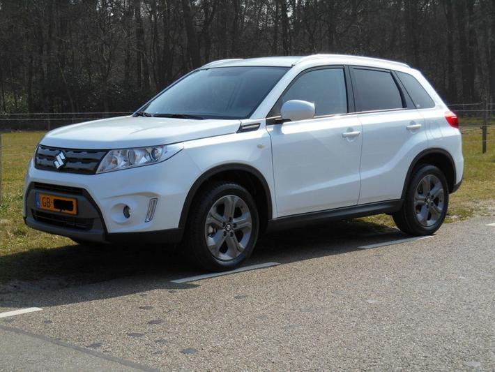 Suzuki Vitara 1.6 Exclusive (2015)