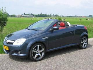 Opel Tigra TwinTop 1.4 Linea Rosso (2006)