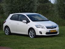 Toyota Auris 1.8 Full Hybrid Dynamic