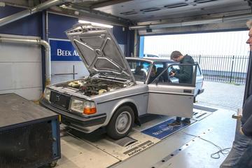 Volvo 240 Turbo Estate - Op de Rollenbank