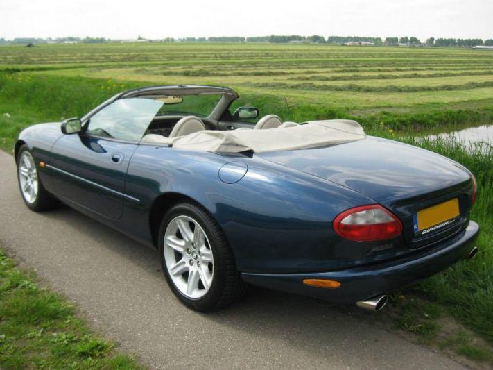 Jaguar XK8 Convertible (1997) review - AutoWeek nl